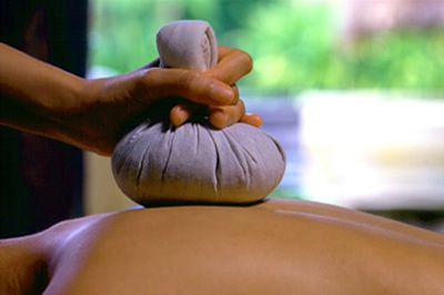 Masaje Thai Herbal Luk Pra Kob| Masaje Tailandes en Benidorm | Ayurvedic Massage Spa Thai Herbal Luk Pra Benidorm Sawasdeeka